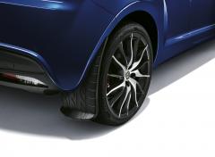 Achterspatlappen met grafische afbeelding van bandprofiel voor Alfa Romeo Mito